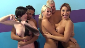 Blonde Ava Devine gets a buzz out of pussy sex