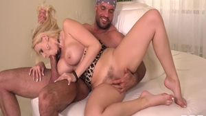 Hairy Angel Wicky and Larry Steel sucking dick porn