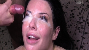 Homemade sloppy fucking together with cougar Veronica Avluv