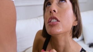 Latina Janice Griffith pussy eating