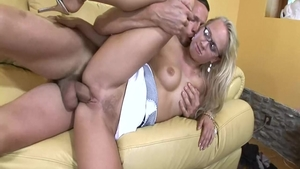 Big butt babe Carla Cox feels the need for real sex