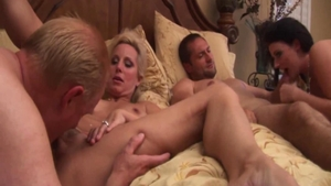 Foursome along with shaved MILF Sophie Dee