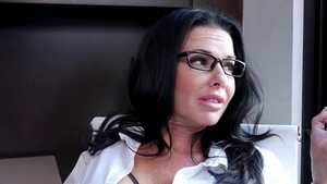 Babe Veronica Avluv wearing glasses blowjob on the couch
