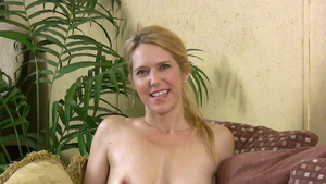 Very sexy MILF ramming hard at casting HD