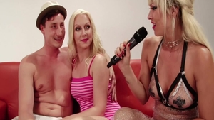 Erotic babe pussy fucking after interview