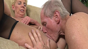 Rough sex escorted by sexy mature Taylor Lynn