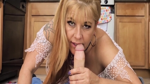 Hard the best sex in company with young stepmom Joclyn Stone