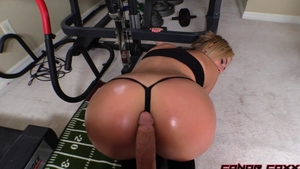 Very hawt step sister goes in for pussy fucking