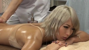Sex alongside big butt asian blonde