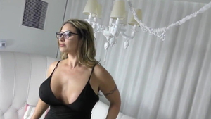 American stepmom Eva Notty cumshot