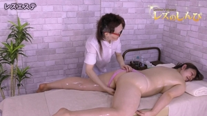 Japanese brunette likes fucking in HD